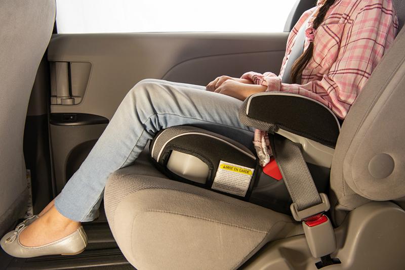 Modelo seat booster para crianças nos carros