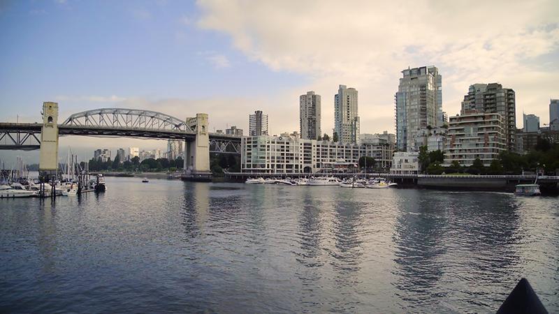Pôr do Sol em Granville Island em Vancouver