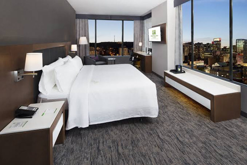 Holiday Inn Hotel & Suites em Montreal
