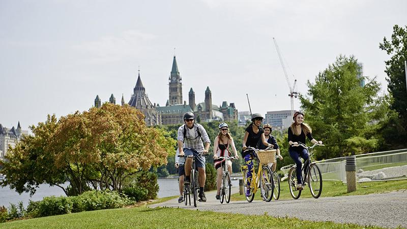 Passeio de bicicleta durante o verão em Ottawa