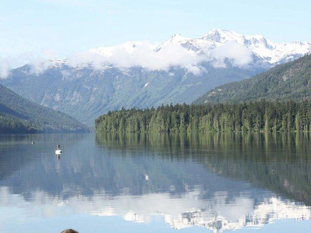 Passeio pelo Lago Birkenhead em Whistler