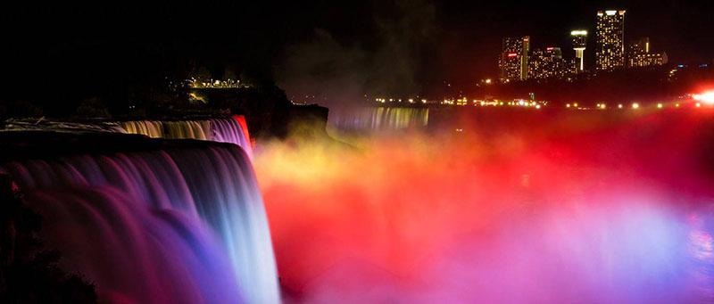 Cataratas no Night Lights Tour em Niagara Falls